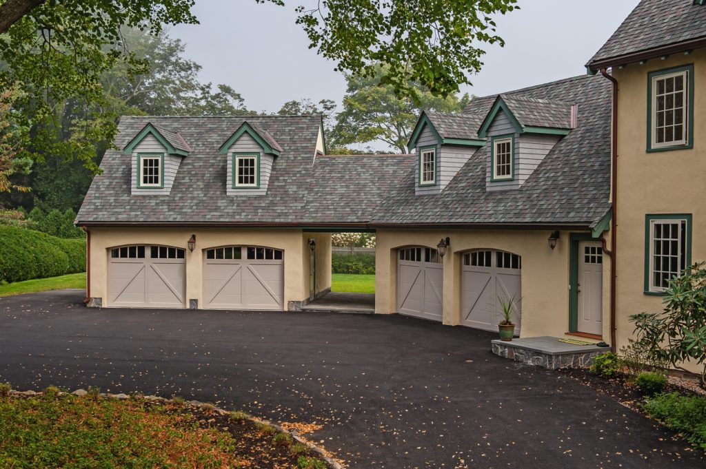 Overlay Carriage House